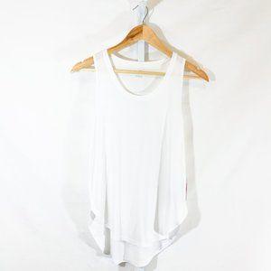 Jessica Simpson Bo Singlet in White